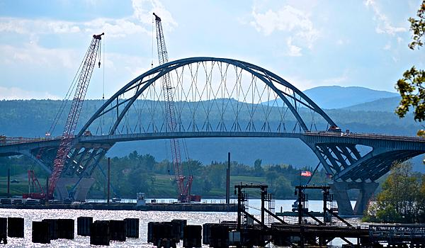 Post Your Bridges HERE-new-champlain-bridge-under-construction.jpg