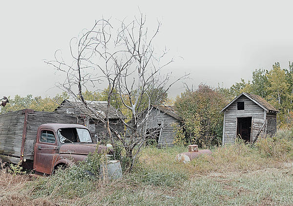 Old and Abandoned-sm-dsc_5147-abandoned-farmstead-stiching-0069_stitch.jpg