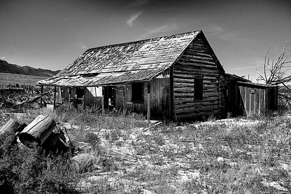Old and Abandoned-old-building-2016.jpg