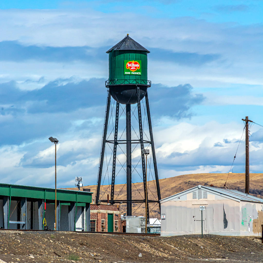 Post your Water towers here-710_2914.jpg