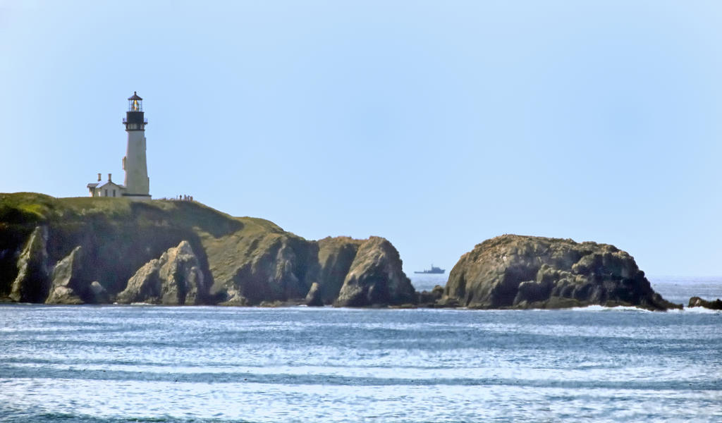 Post your Lighthouses-yaquina-head-lighthouse-02_l-sm.jpg