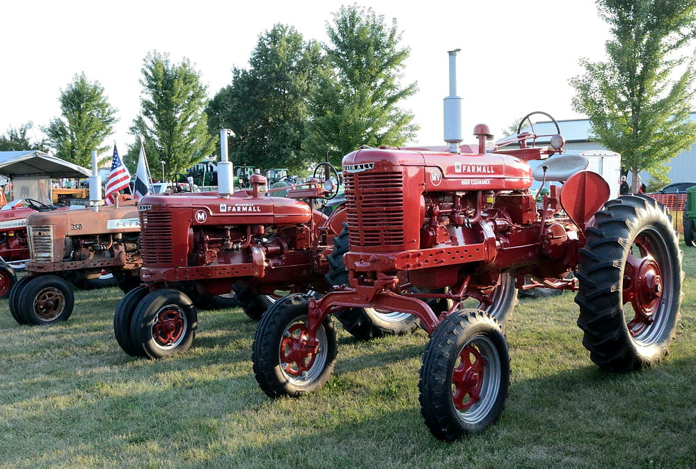 Post your Farm Equipment shots-tractors.jpg