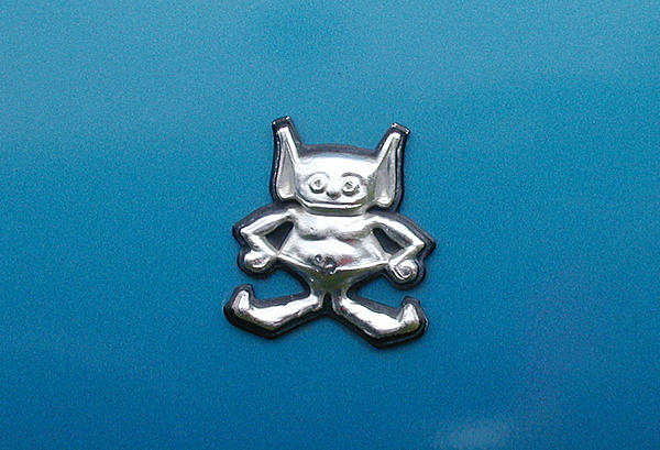 Post your Hood Ornaments/Logos-043-amc-gremlinsm.jpg
