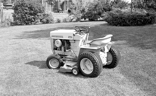Post your Farm Equipment shots-1970s-mid-002-lawn-tractor-upload.jpg