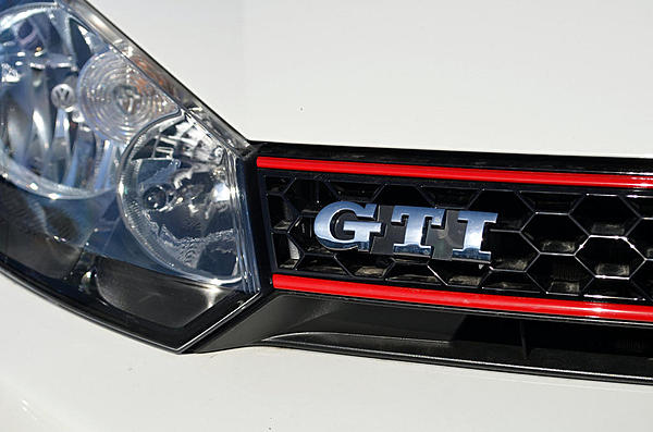 Post Your Automotive Shots!-2013-11-24-vw-gti-grille-upload.jpg