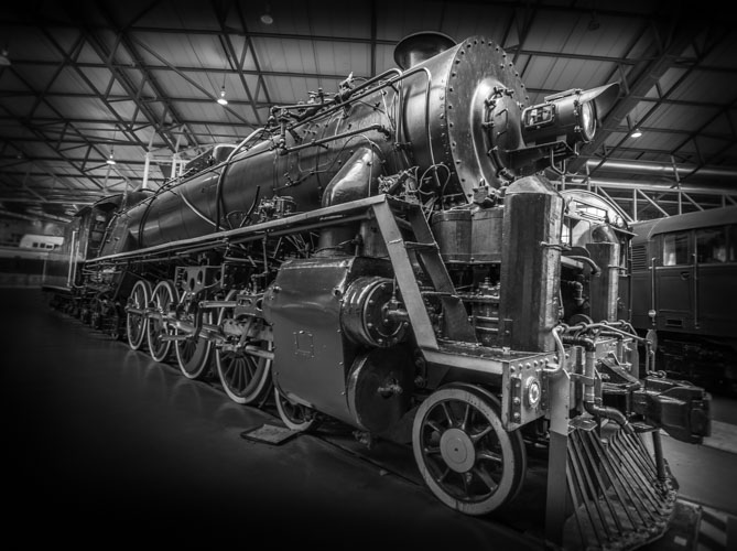 Post Your Black and Whites Photos!!-b-w-steamtrain.jpg