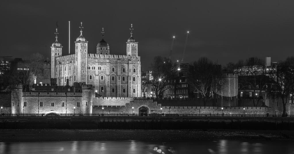 Post Your Black and Whites Photos!!-tower-london.jpg