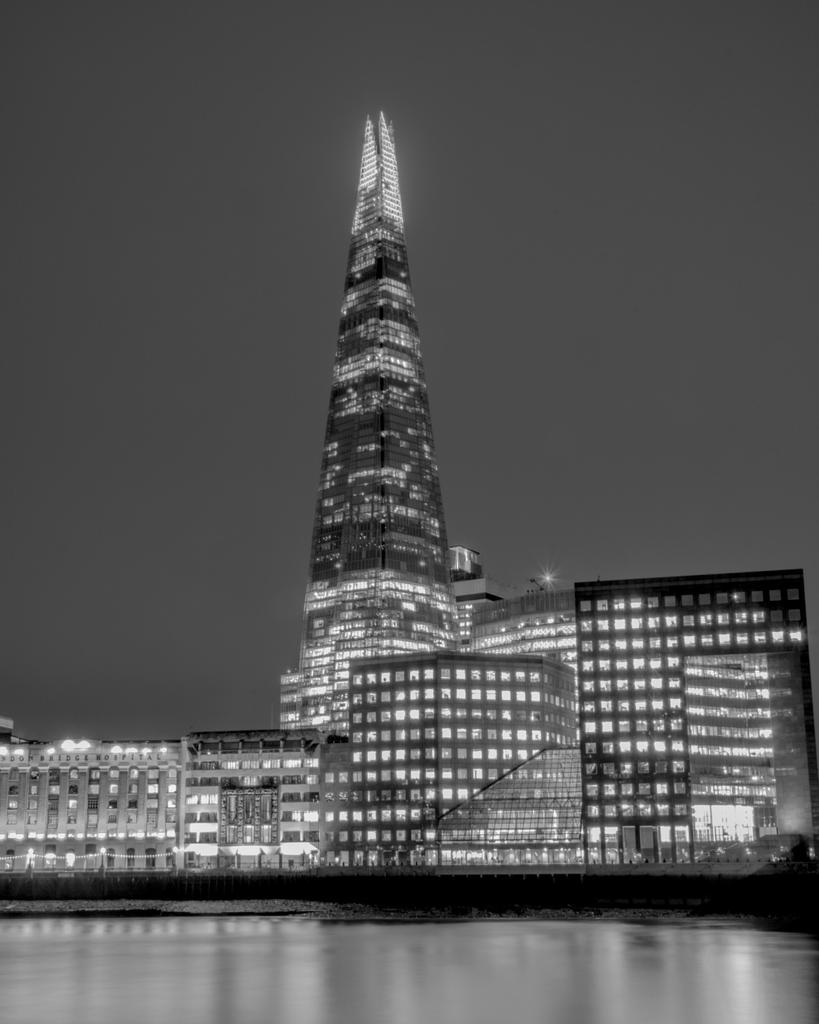 Post Your Black and Whites Photos!!-b-w-shard_.jpg