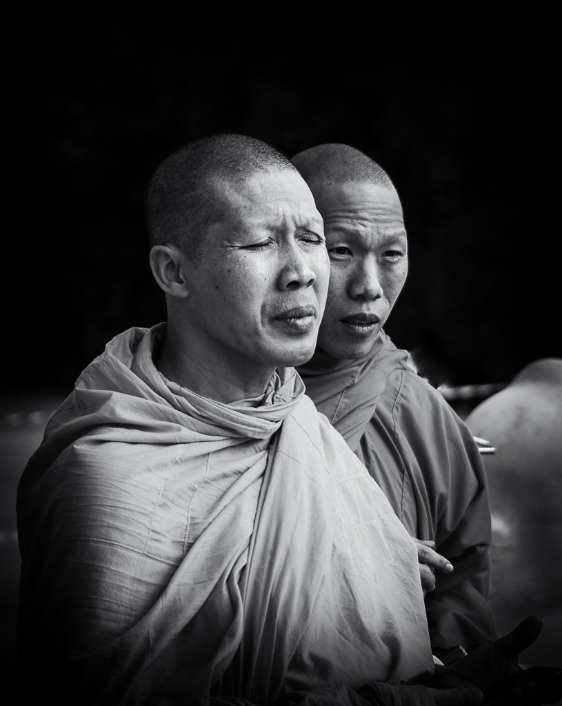 Post Your Black and Whites Photos!!-monks-bw-1.jpg