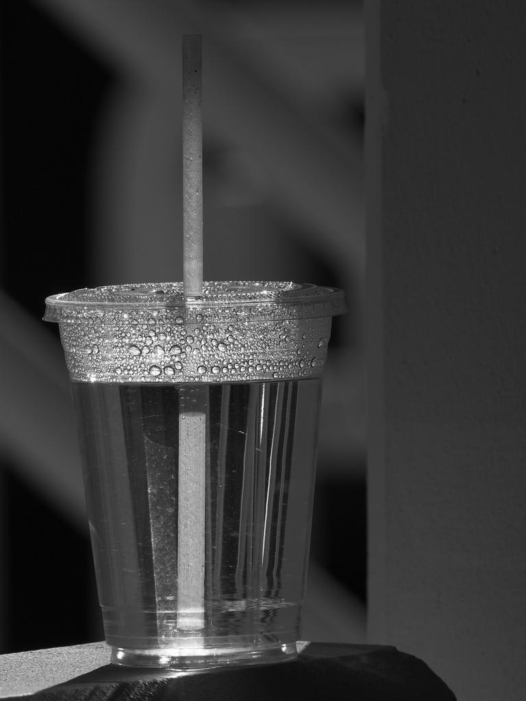 Post Your Black and Whites Photos!!-cup.jpg