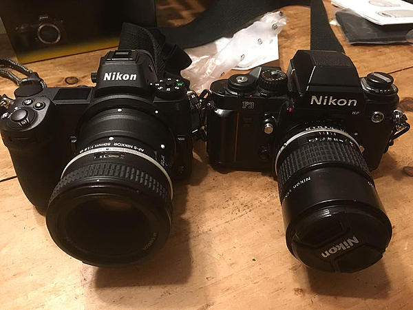 Best features of the D700-z-compared.jpg