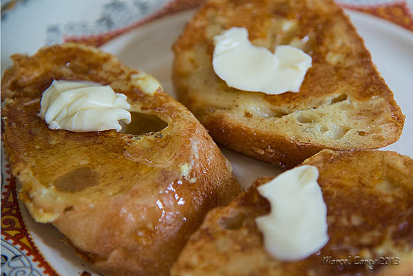 The most striking feature-french-toasts-maple-syrop.jpg
