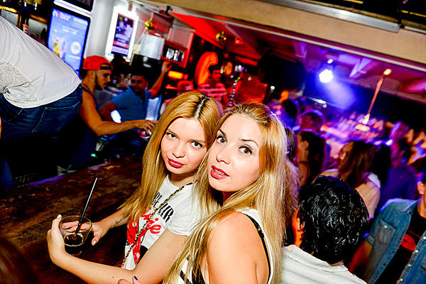 D3200 Speedlight for Close/WideAngle nightclub photography?-nebar-118.jpg