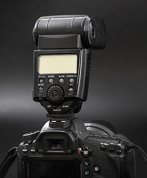 External flash problem-flash.jpg