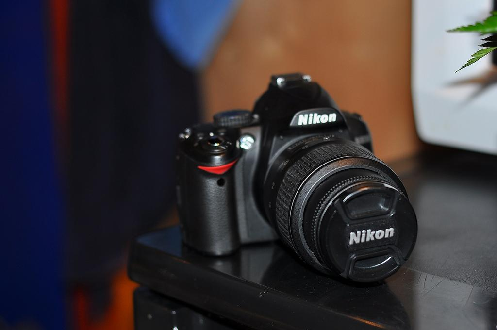 Best Buy Private Auction >> Nikon D3000 18-55mm Lens Plus More for sale on Ebay.
