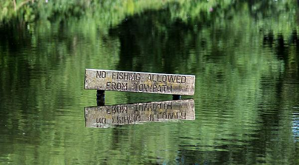 Post your sign post pictures-fishing-small.jpg