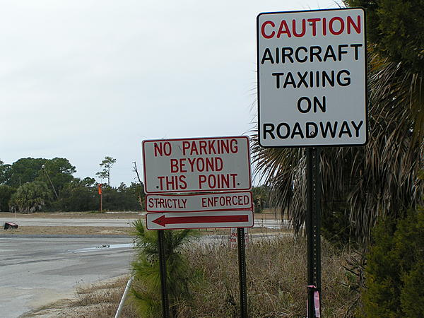 Post your sign post pictures-aircraft-taxiing.jpg