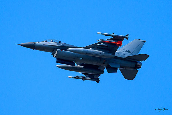 post your aviation shots!-f-16-200.jpg