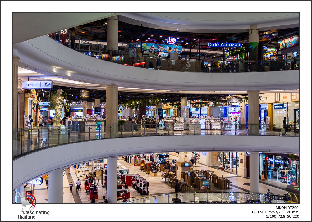 Shopping with to lenses-sigma-shopping-1.jpg