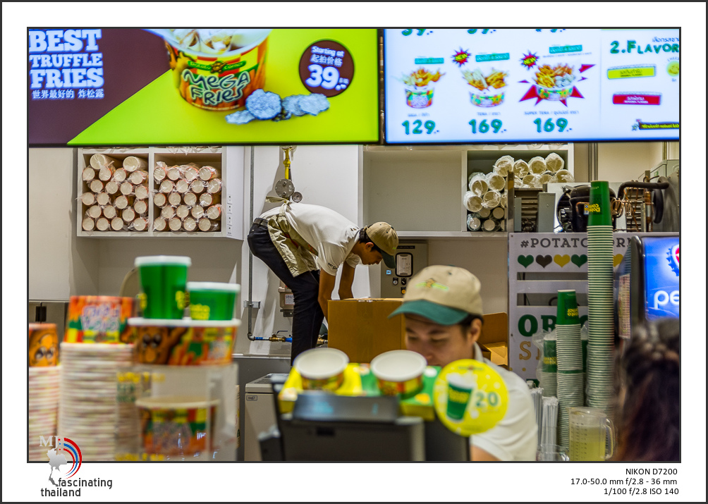 Shopping with to lenses-sigma-shopping-7.jpg