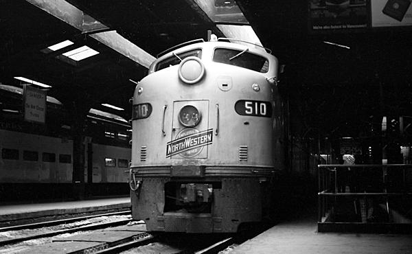 Post your Train shots!-1970s-mid-001-cnw-chicago-il-upload.jpg