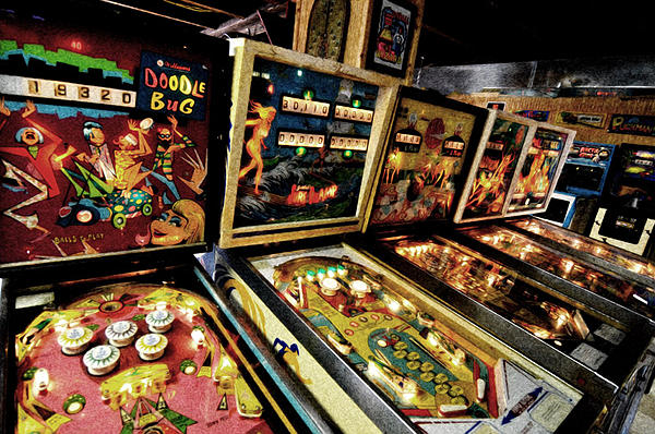 Post some of your more recent pictures!-1970pinball-web-.jpg