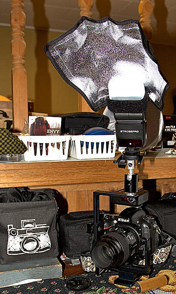 Off Camera Flash for Macro-newton-macro-flash-bracket-dsc_4561-1.jpg