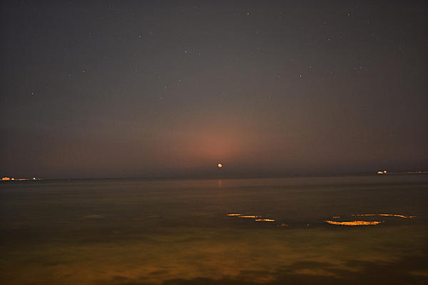 July 2019 Assignment - Beach, Lakes, rivers, around water-moonrise_small.jpg