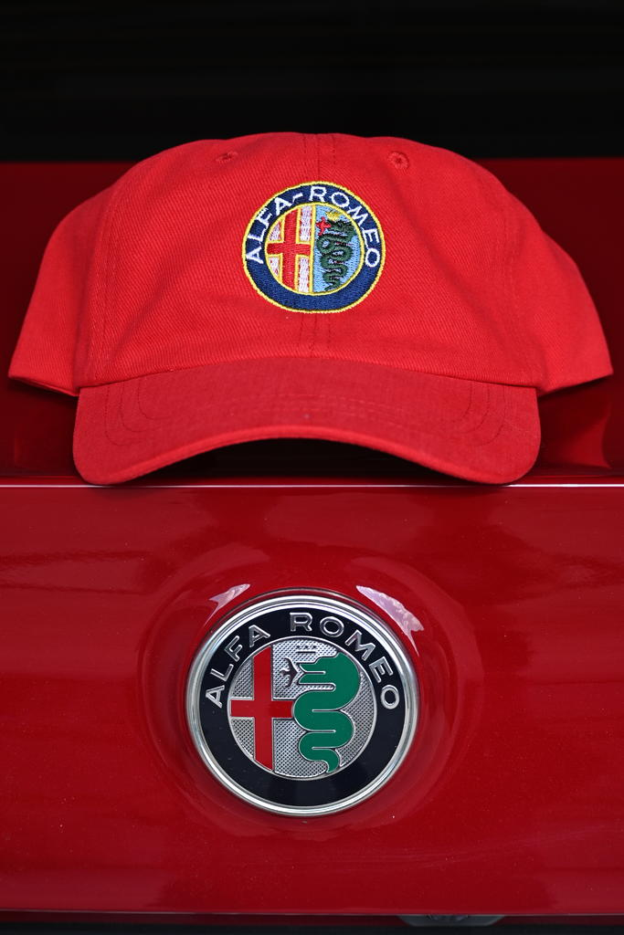 August 2021 Monthly Assignment: Hat(s)-z50_0009_cr_sm.jpg