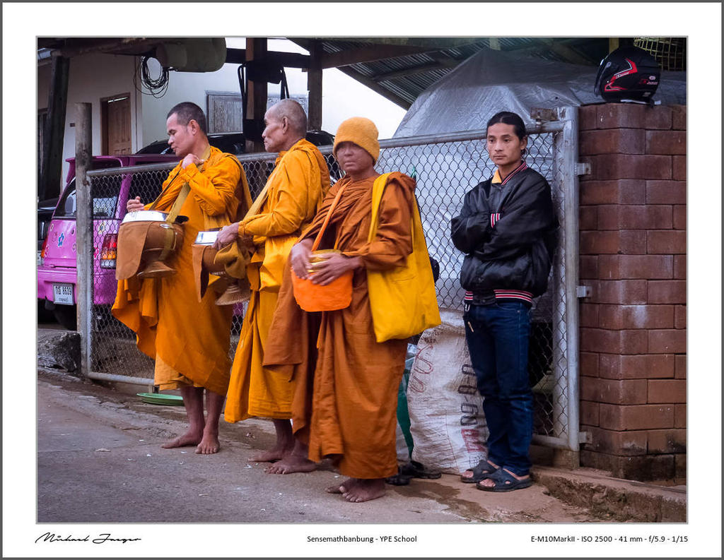 Michael's New Thailand Thread-monks-collect-their-alms2-2.jpg