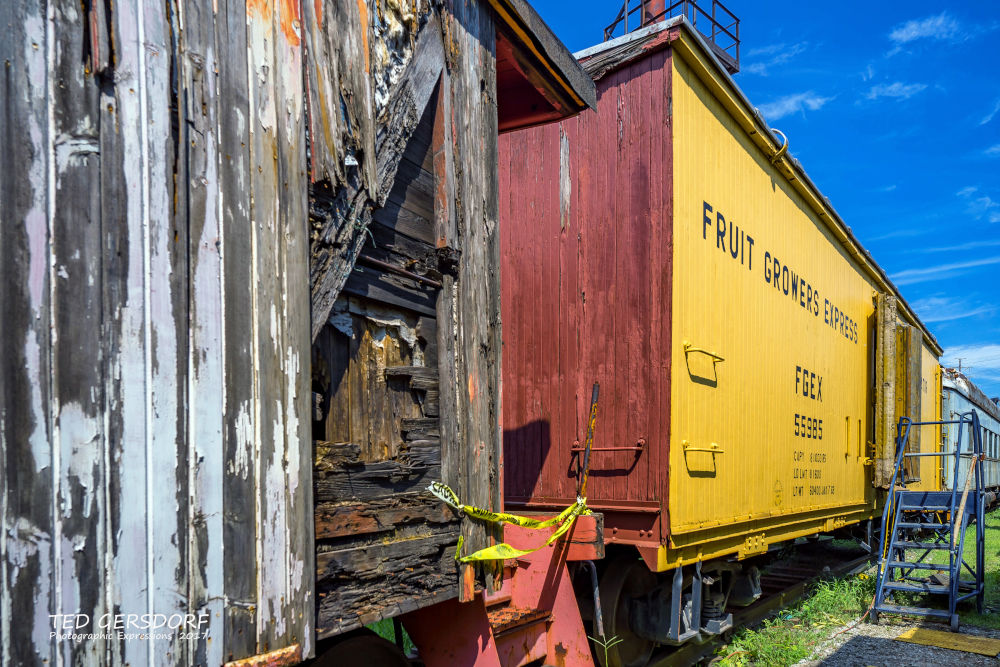 These are for my train-loving friends............-8-12-17-bo-roundhouse-35-1-10_01.jpg
