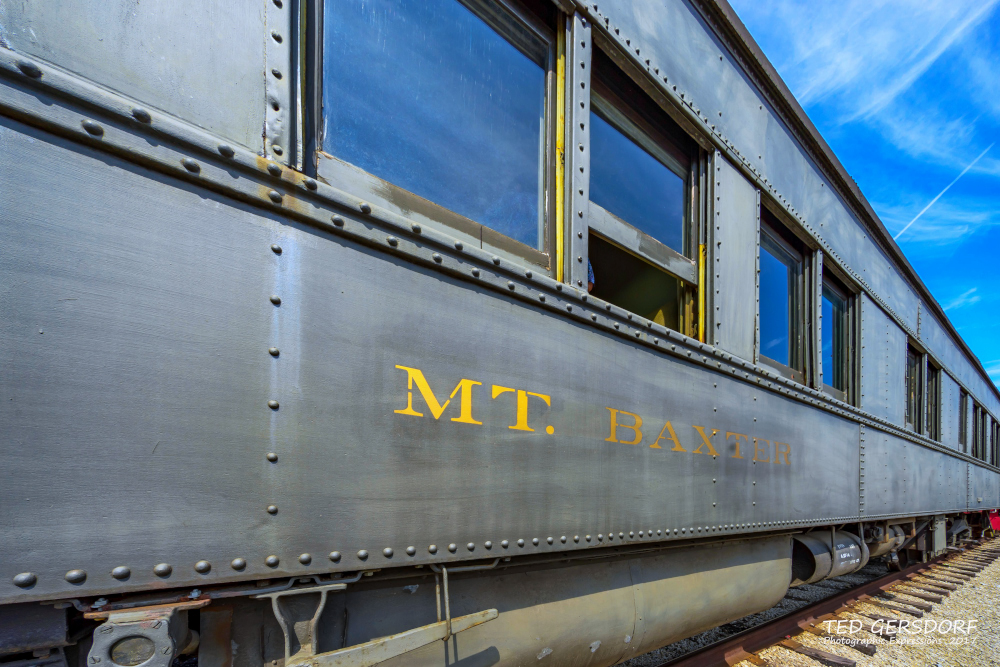 These are for my train-loving friends............-8-12-17-bo-roundhouse-35-1-15_01.jpg
