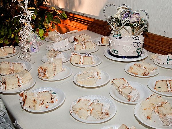 My crappy wedding photos.-cake.jpg