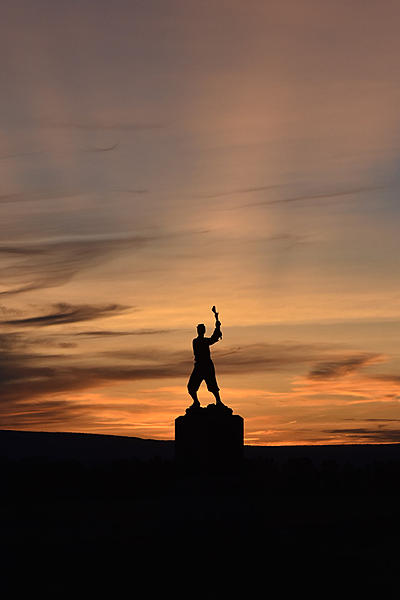 Gettysburg PA - Sunset by 72nd PA Infantry Monument-263crsm.jpg