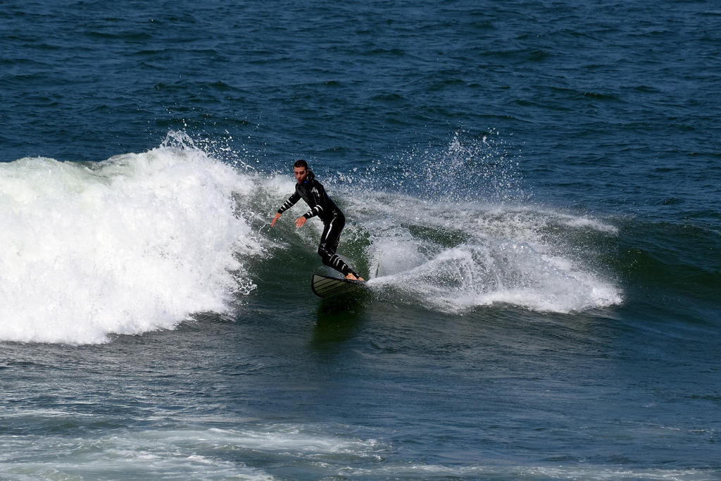Surf's up! Contribute surf photography please!-560_0127_01-small.jpg