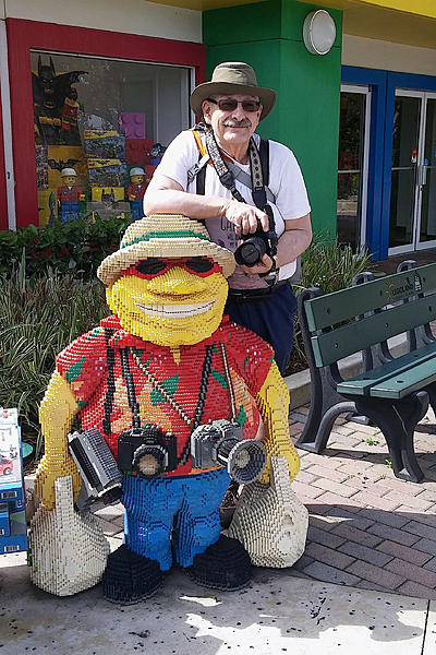 Picking Lenses for my trip to the Southern USA-20180302_110810-legoland-papa-papa-statue-0001-papa-photographer-better-0001.jpg