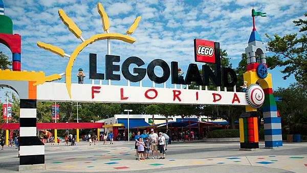 Picking Lenses for my trip to the Southern USA-dsc_4748-legoland-entrance-0004-legoland-entrance-0001.jpg