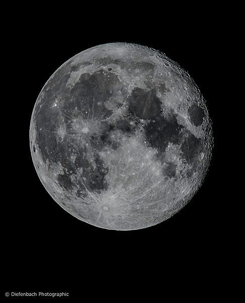 So what lens to shoot the moon?-tdmoonaug52020w800x2b.jpg