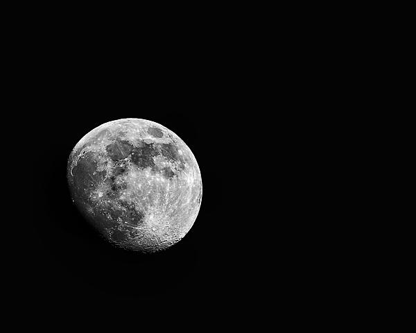 So what lens to shoot the moon?-ee296931-f324-408b-b4ba-848b3c206153.jpg