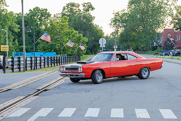 Weekly Challenge June 19 - 25: Cars - Showing the entire car-a81_4752.jpg