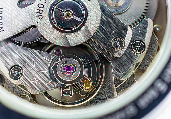 Weekly Challenge Oct. 16 - 22: Macro-seiko-movement-macro.jpg