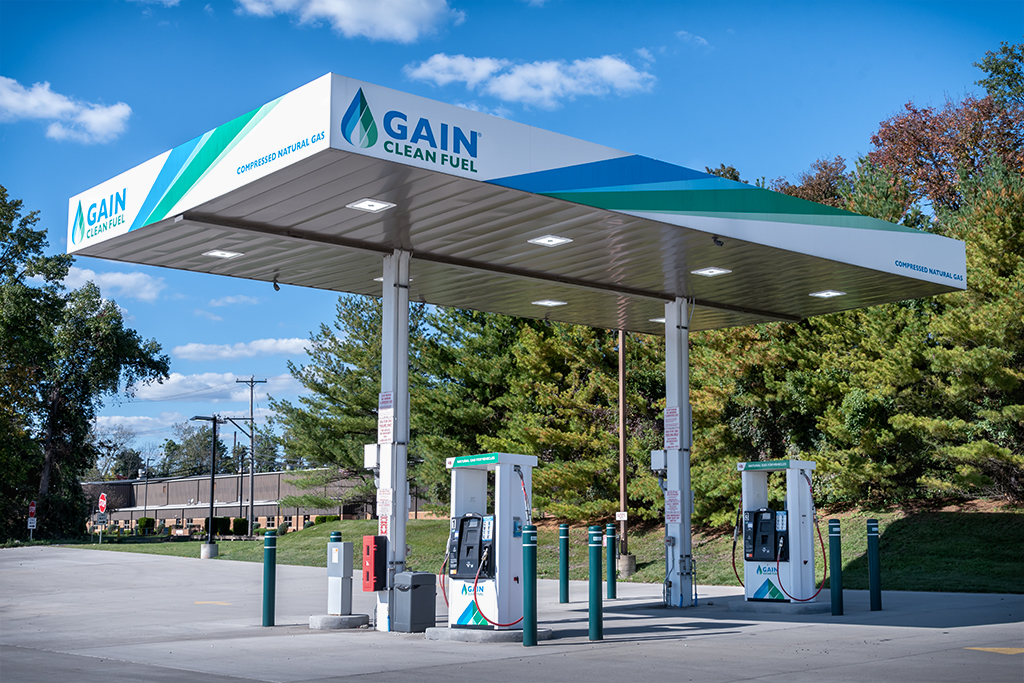 Weekly Challenge Sep 30 - Oct 6 :  Gas stations, gas pumps or charging stations-_10k3004-low-res.jpg