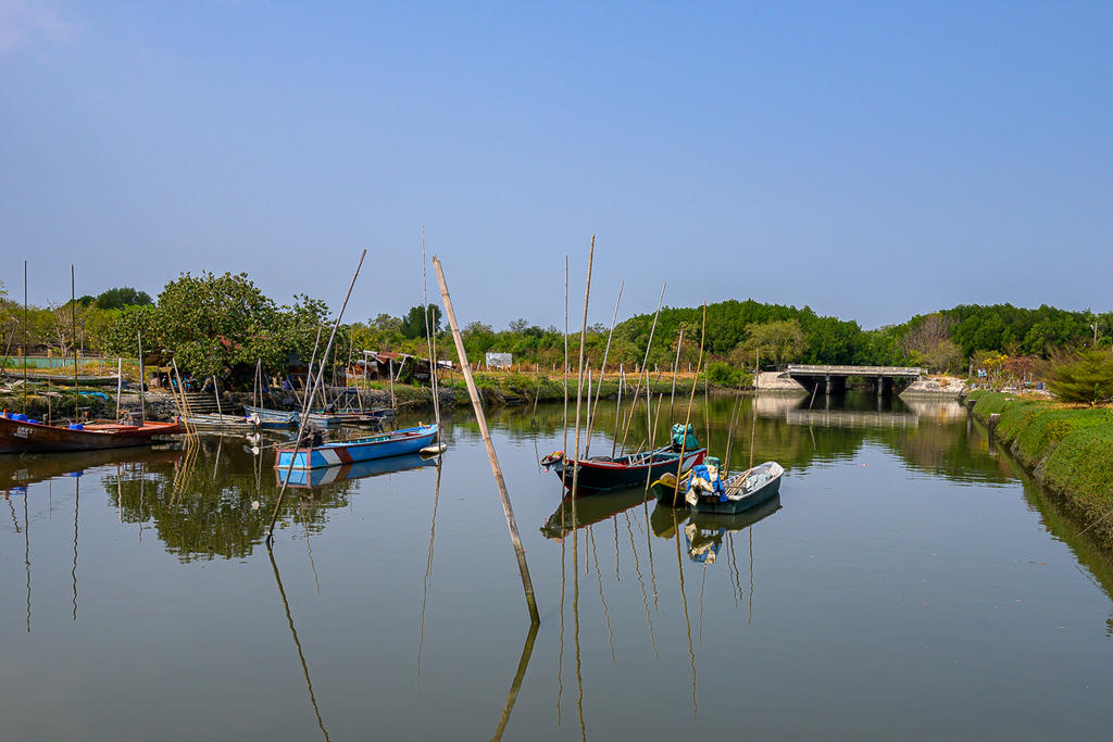 Post your Z50 images-boats-1.jpg
