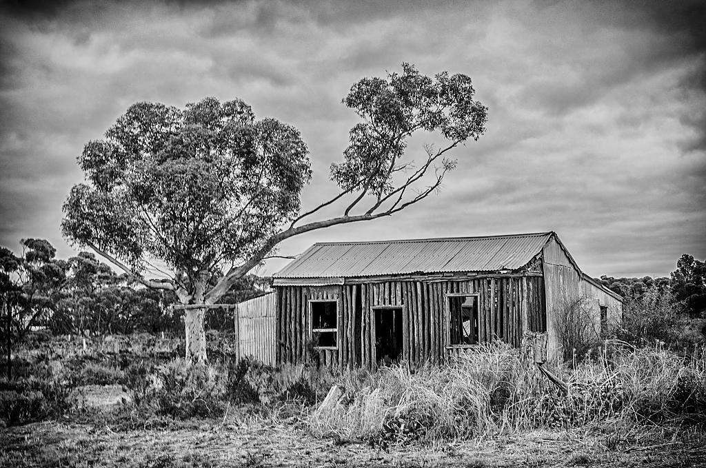 Black and White Settlers Hut by Ijustwant1 in Member Albums