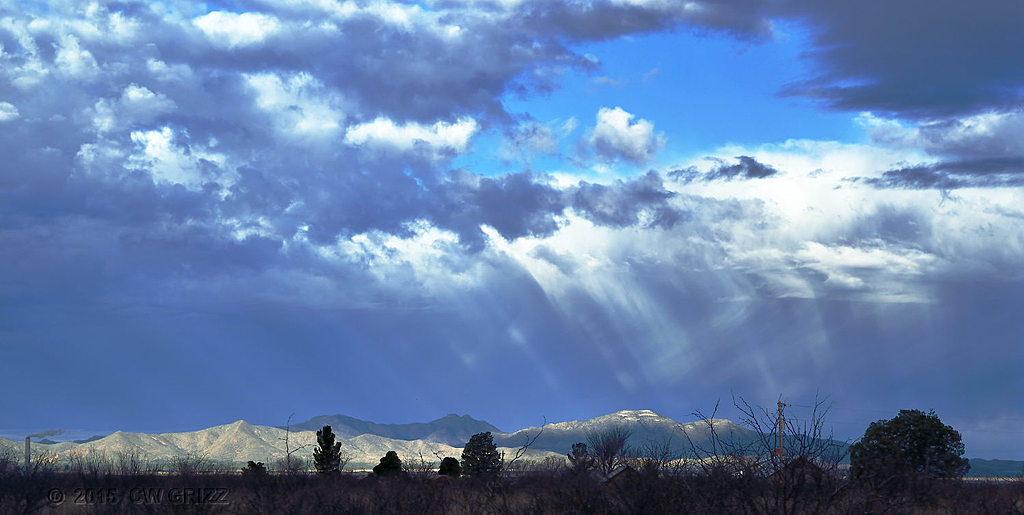 Sun Rays on Mtn Tops by cwgrizz in Member Albums