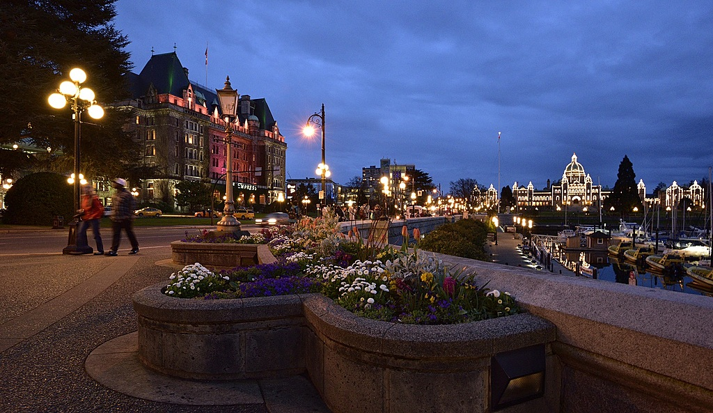 Empress Hotel at Nightfall by TieuNgao in Member Albums