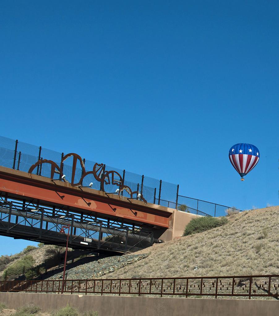 Balloon over Albequerque by mikeh32217 in Member Albums